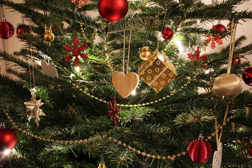 Frohe Weihnachten Und Gesundes Neues Jahr.Frohe Weihnachten Und Ein Gutes Neues Jahr 2018